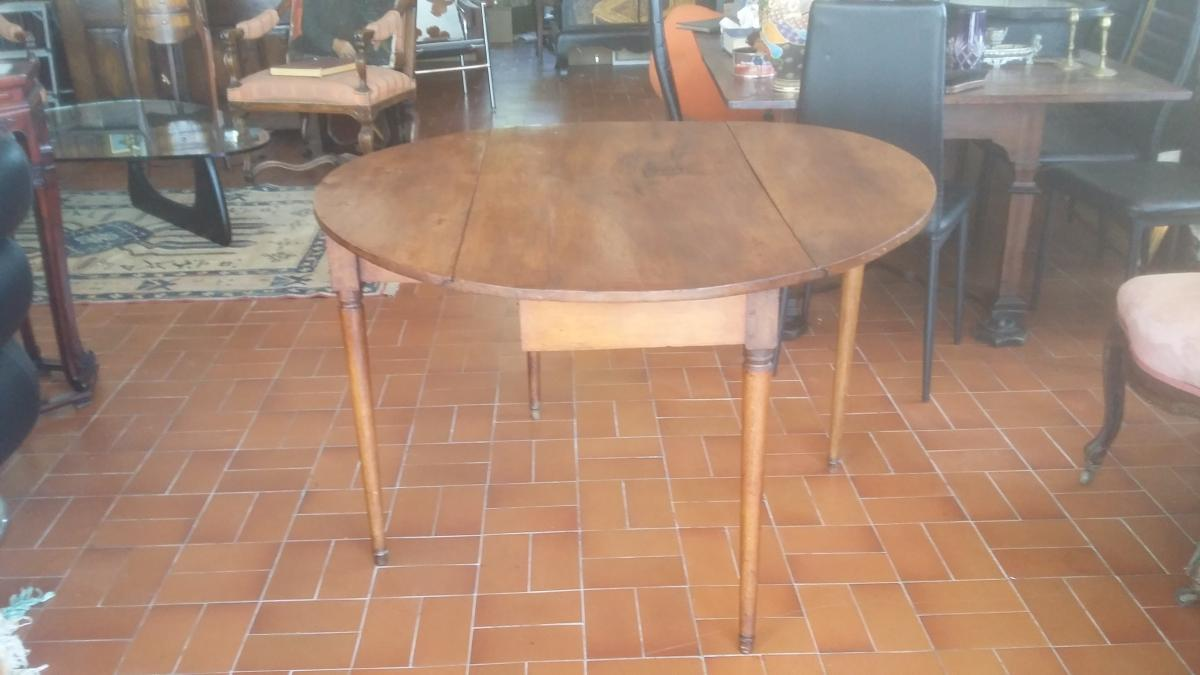 Very Rare Table Directoire Period In Walnut Circa XVIII E Century