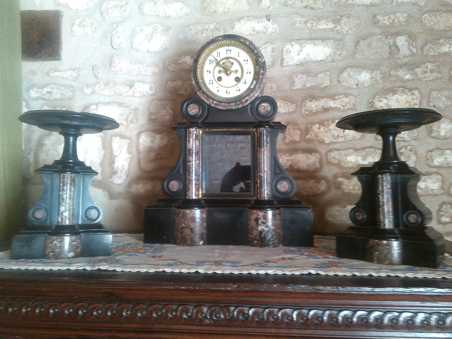 MANTELLO GARNITURE