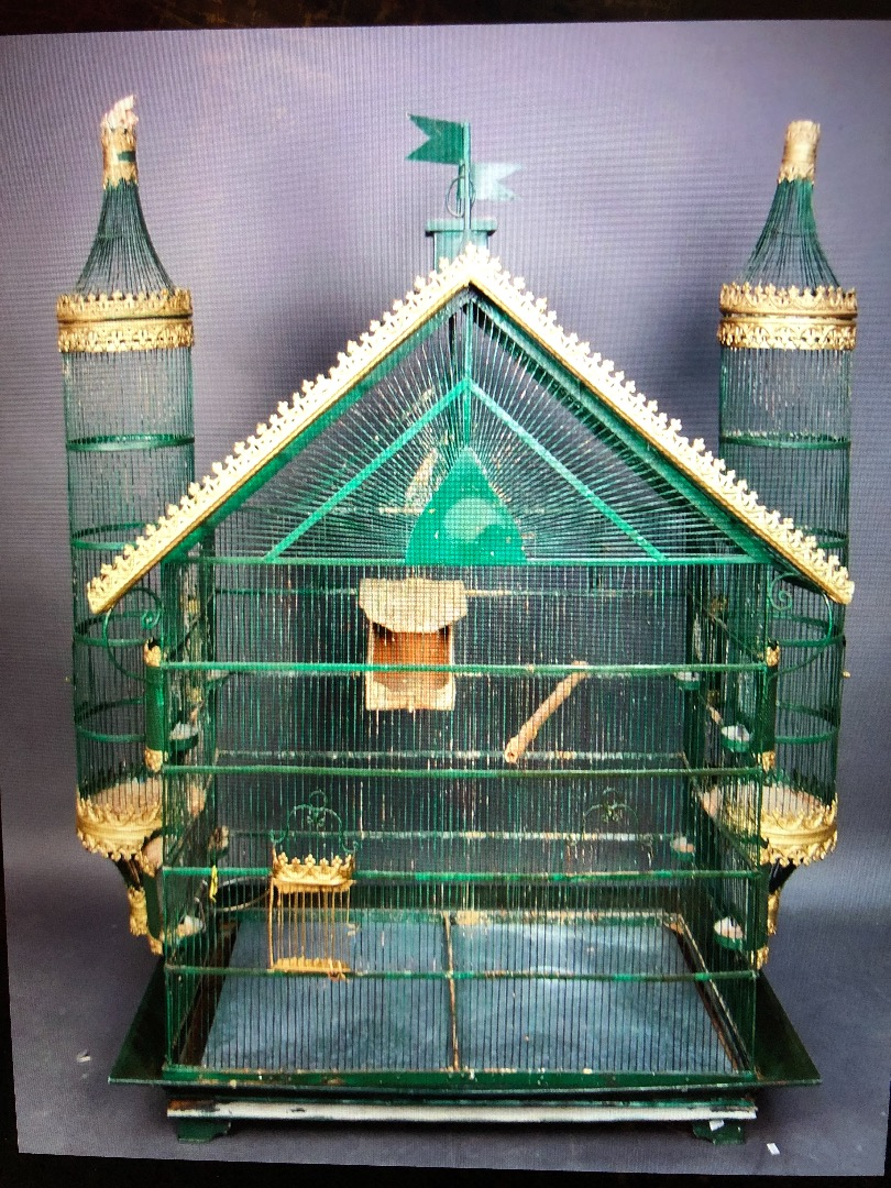 Large birdcage gilded metal and lacquered late nineteenth century